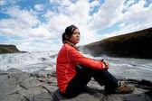 Asian girl at Gullfoss waterfall — Stock Photo