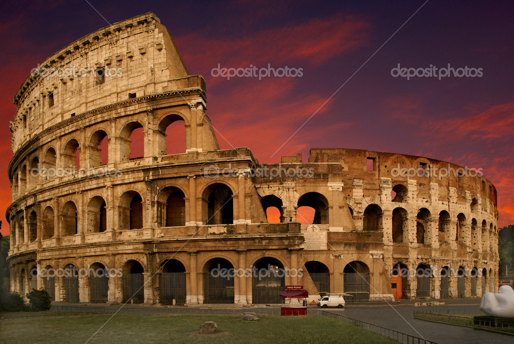 Nice shoot of the colosseum at sunset — Stock Photo #5793520