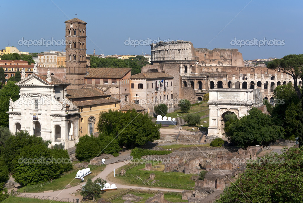 A nice view over the antique Forum Romanum to the Colosseum in Rome. — Stock Photo #5793594
