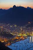 виды ночи рио-де-жанейро бразилии от горы сахарная голова — Стоковое фото