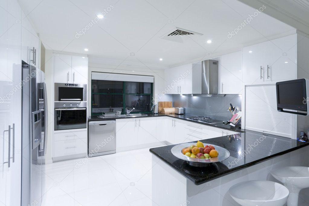 Modern konyha, luxus kastély — Stock Fotó © epstock #5786211