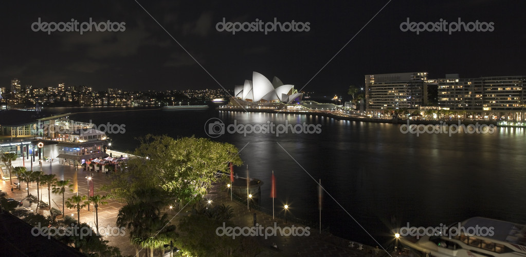 Sydney Opera House and Circular Keys at night — Stock Photo #5790137