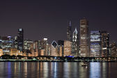 Night View at Downtown Chicago and lake Michigan — Stock Photo