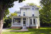 Tradycyjny dom amerykański — Zdjęcie stockowe