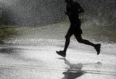 Running in the heat. — Stock Photo