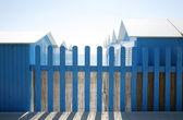 Modré plot a chaty — Stock fotografie