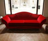Red sofa — Foto de Stock
