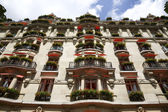 Beautiful Parisian facade — Stock Photo