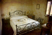 Tiny hotel room Italy — Stock Photo