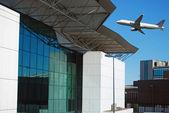 El despegue de un avión — Foto de Stock