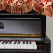 Upright piano with open view of keyboard — Stock Photo