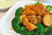 Chinese style mushrooms and cauliflower — Stock Photo