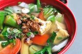 Chinese healthy vegetable soup — Stock Photo