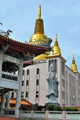 仏像とパゴダ — ストック写真