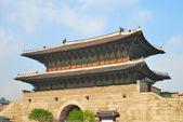 Majestic stoned gate architecture — Stock Photo