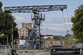Oude brug uit de achttiende eeuw met lock en nog steeds werkt belgië — Stockfoto