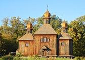 Iglesia de madera antiguo — Foto de Stock