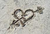 Srdce na písku — Stock fotografie