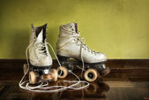 Gamla roller-skates — Stockfoto