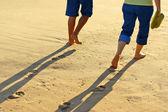 Gå på sand — Stockfoto