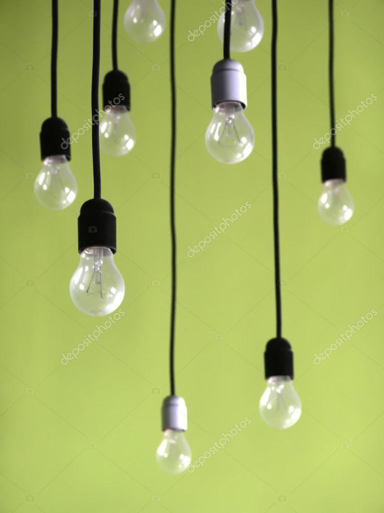 vesit-pod-potolkom-lampu-soset