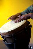 Djembê africano com as mãos — Foto Stock