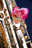 Saxophone with Pink or Red Rose Isolated on Black — Stock Photo