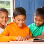 Primary school children in class — Stock Photo