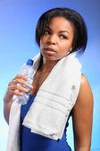 Fitness oefening voor mooie jonge zwarte meisje — Stockfoto