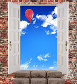 The door is open to the sky — Stock Photo