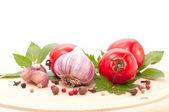 Red tomato and garlic — Stock Photo