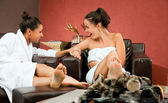 Gossip females relax room — Foto Stock