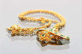 Gold necklace — Stock Photo