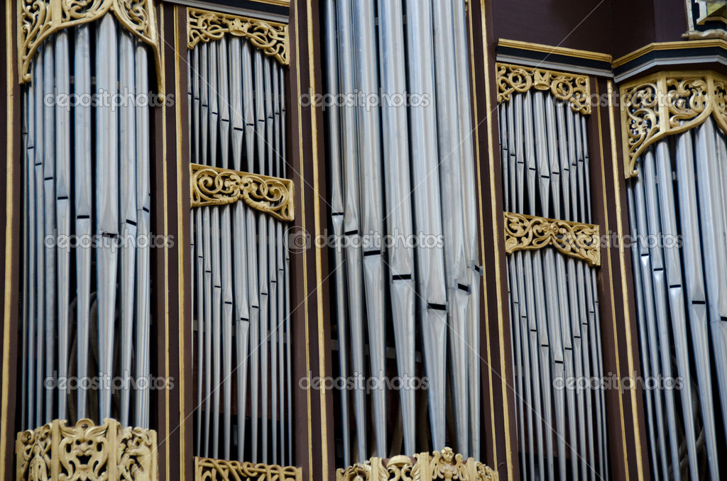 Detail of a church organ with pipe for choral music — Stock Photo #6382351