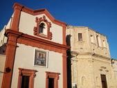 Kyrkorna i gamla stan i gallipoli, apulien, italien — Stockfoto