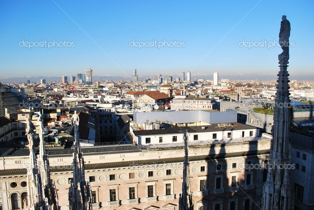 Landscape panoramic view of Milan from Duomo cathedral roof, Lombardy, Italy — Stock Photo #6670651