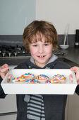 Mostrando le cupcakes — Foto Stock