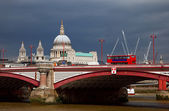 St. Paul Cathedral and Blackfriar's Bridge — Foto Stock