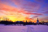 закат в зимнем парке — Стоковое фото