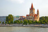 Church on Danube River, Vienna — Stock Photo
