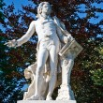 Statue of Wolfgang Amdeus Mozart — Stock Photo