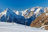Stazione sciistica nelle alpi francesi — Foto Stock