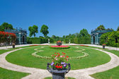 Beatiful park in Schonbrunn, Vienna — Stock fotografie