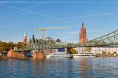 Frankfurt am main, bridge across Main river — Stock Photo