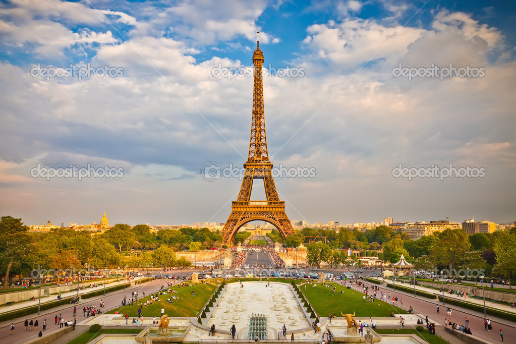 Eiffel Tower in Paris, France — Stock Photo #6222372