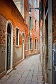 Narrow street in Venice — Stock Photo