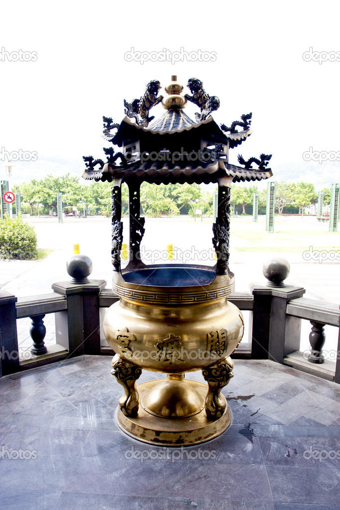 A chinese censer in a temple in taipei — Stock Photo #6653896