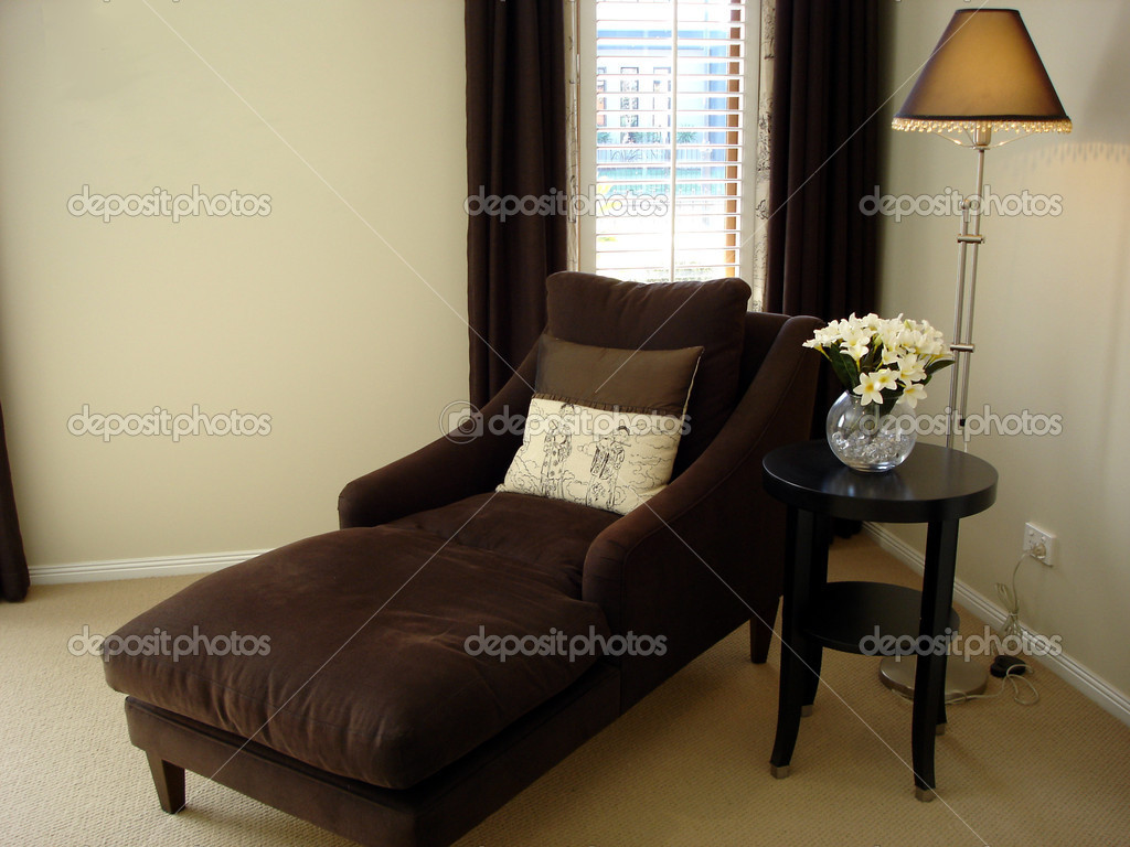 Modern loungeroom with decorator furnishings — Stock Photo #6222440