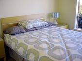 Modern bedroom retro 70s styling — Stock Photo