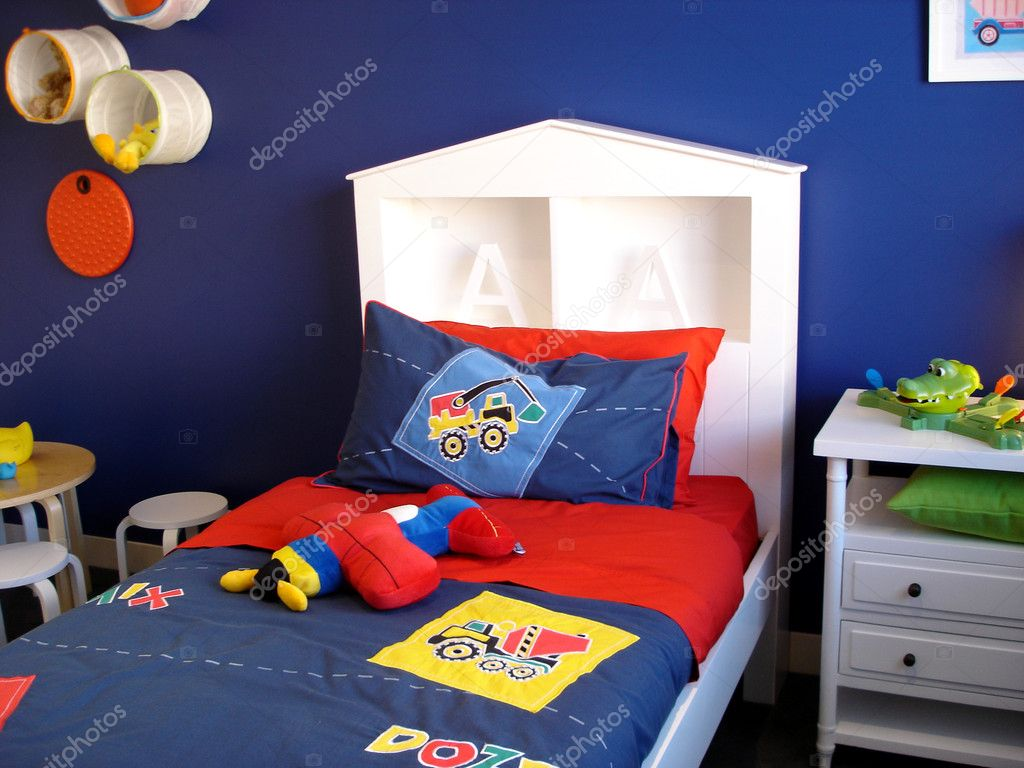 Modern bedroom for a little boy — Foto Stock #6508977